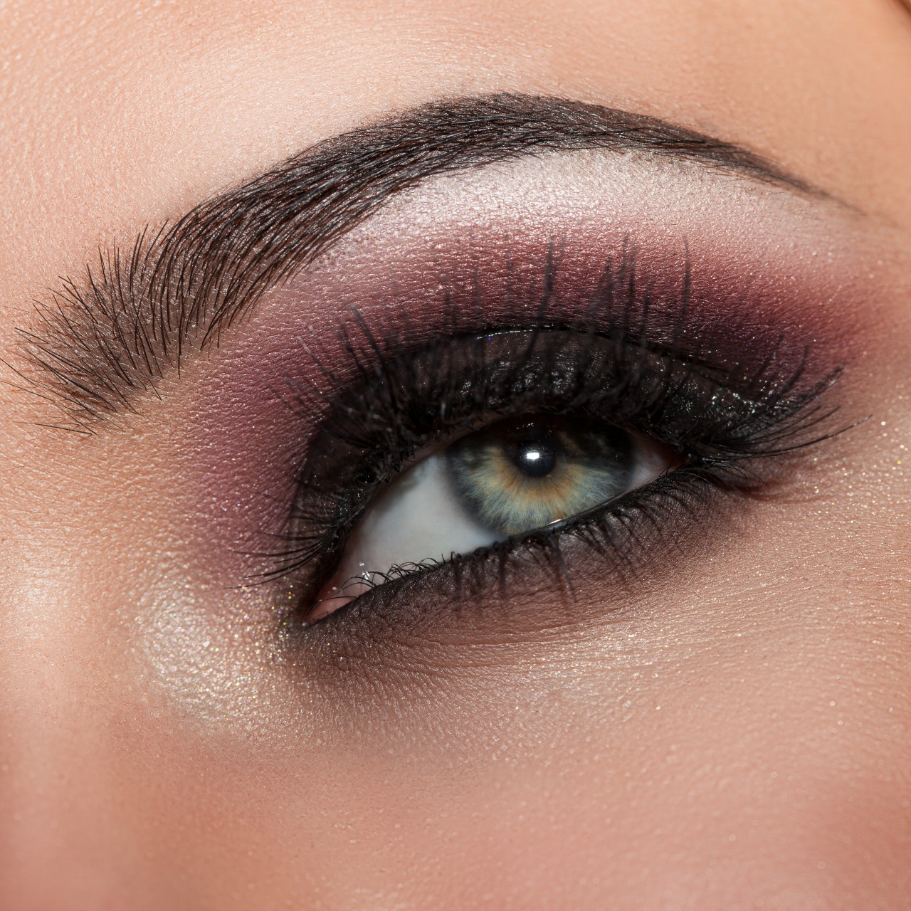 Expert Makeup Tips To Make Your Eye
