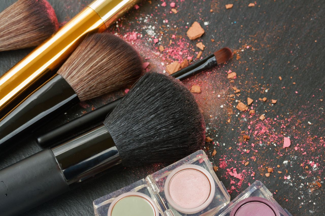 How to Use Different Makeup Brushes