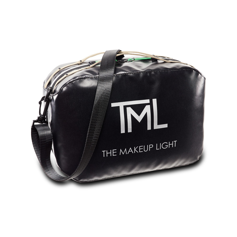 The Makeup Light 2.0 Pro/Master Bag